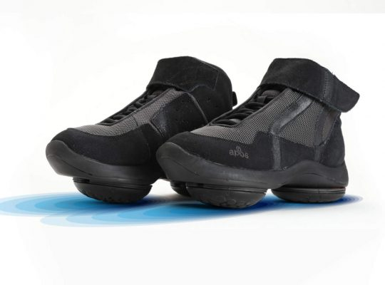 header-shoes-black